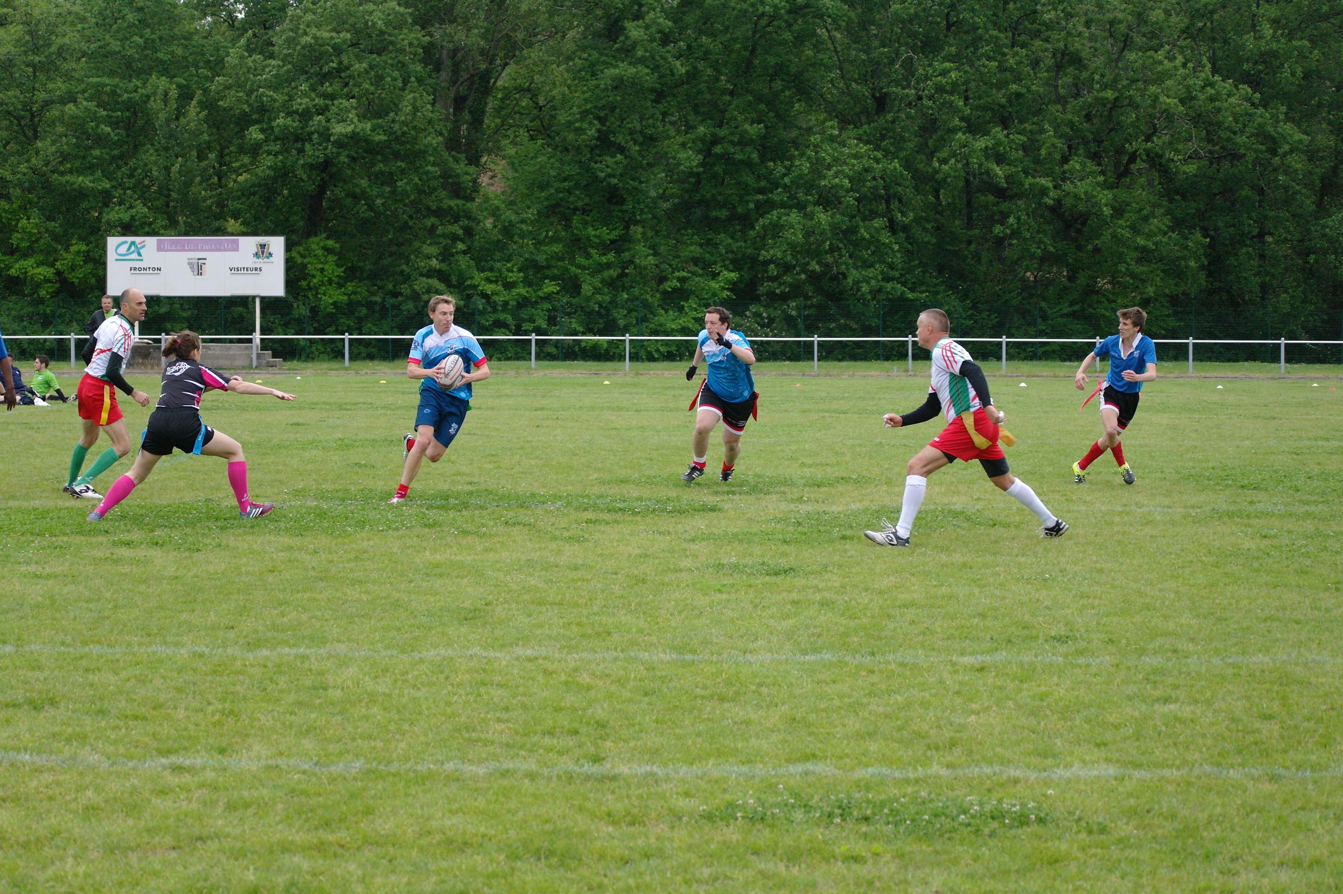 Contre Fronton, le match fut rude, mais l'équipe a réussi à se créer des espaces